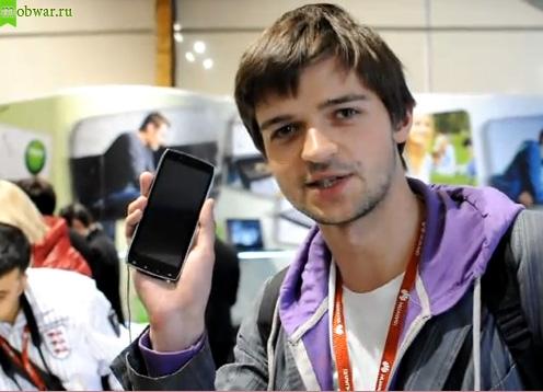 Acer Iconia Smart и человек из Droider