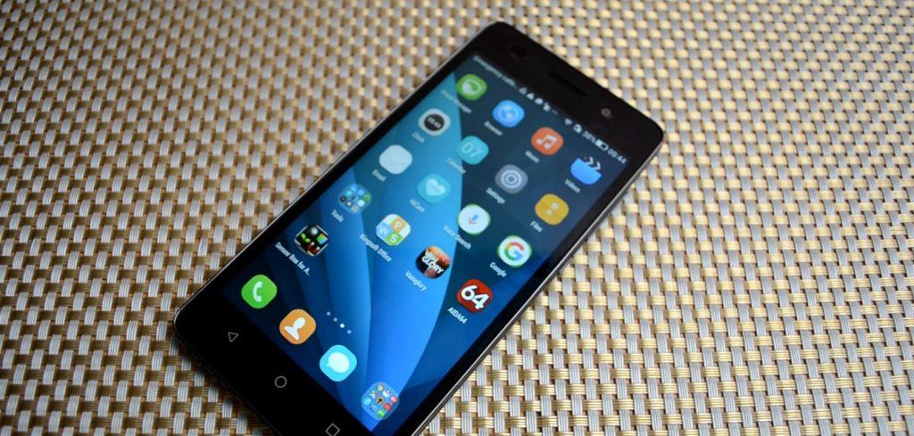 Обзор Huawei Honor 4c дисплей