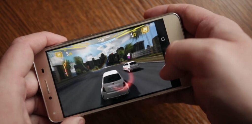 Обзор Huawei Honor 5A, игры, память